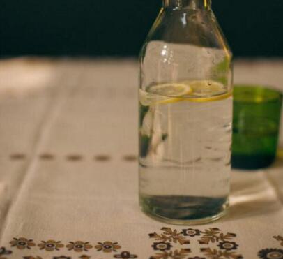 玻璃瓶廠家的個性化發展趨勢