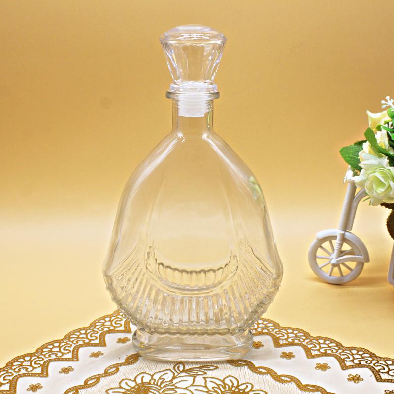 玻璃瓶廠家生產鍍膜玻璃的特點和注意事項