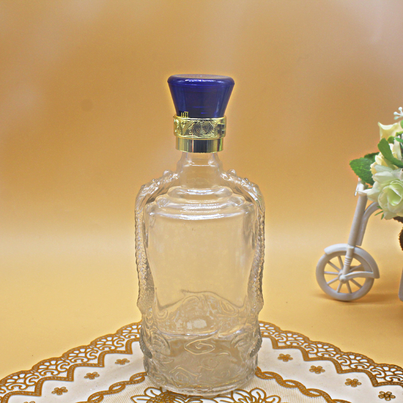 怎么样能够简单明了的区别普通玻璃酒瓶和水晶玻璃酒瓶